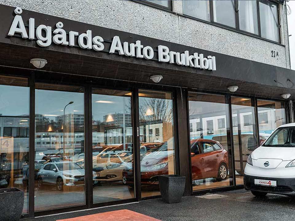 Vi kjøper bilen din